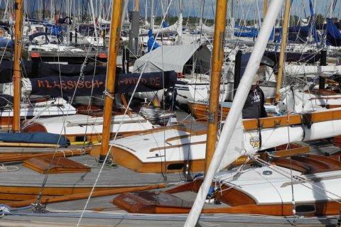 18 Folkeboote im Hafen von Arnis